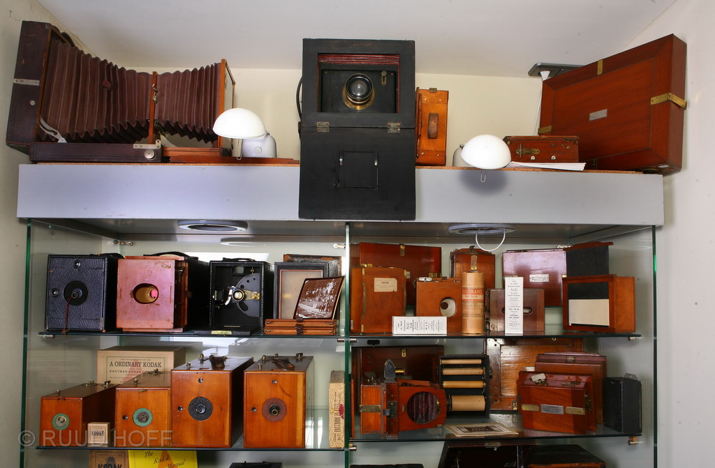 Center high: Dutch Loman camera